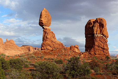 Photo of the Balanced Rock at Arches National Park in Utah