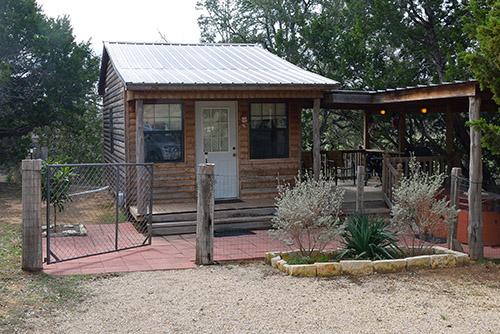 Barons Bach Kleiner Hafen Cabin In Fredericksburg Texas